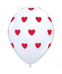 Ballons rouges coeurs blancs