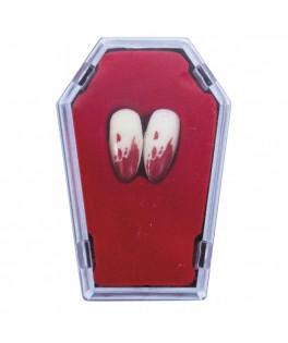 2 Canines de Vampire ensanglantées dans cercueil