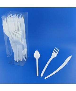 couverts en plastique blancs